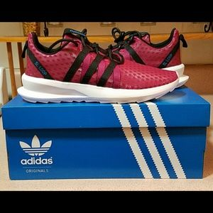 🤩New Adidas SL LOOP Berry pink Multiple Sizes